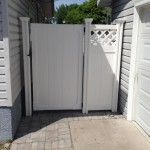 Classic Vinyl Fence with Gate